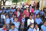 Vice Alcaldesa Valentina Cruz en escuela Enma Balaguer entrega juguetes a niños de SDO