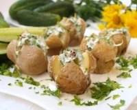Запеченный картофель в мундире в духовке - рецепт с фото