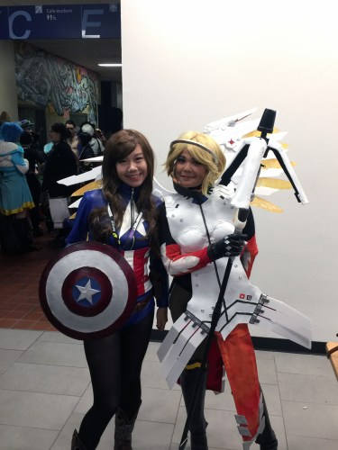 Picture with a cute Mercy Cosplayer!
