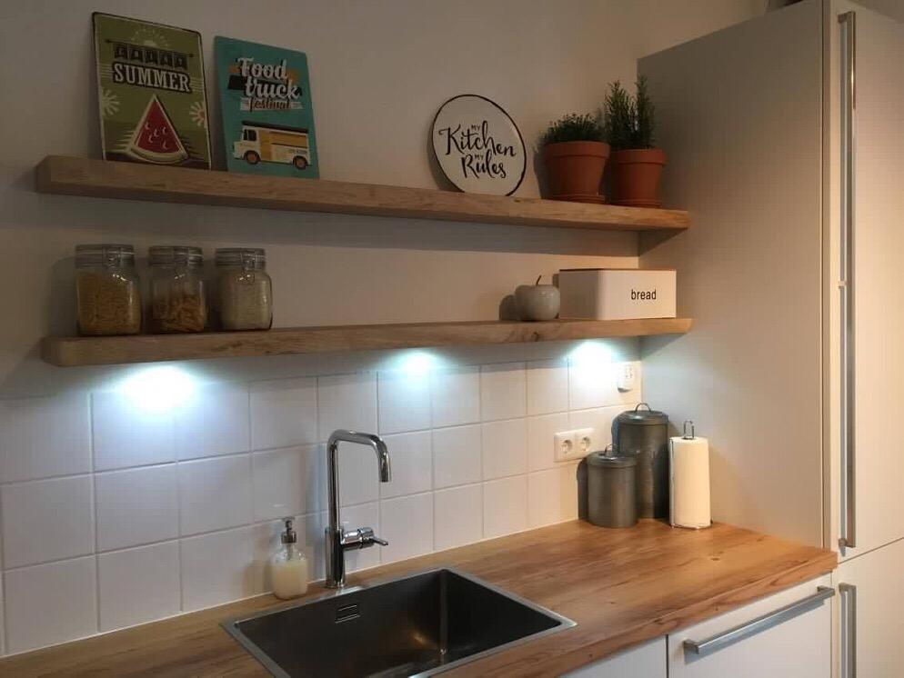 Keuken planken op maat referenties boekenplanken en wandplanken kasten - Plank keuken opslag ...
