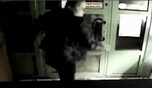 В Калининграде скрытая камера сняла на видео пьяных лазутчиков