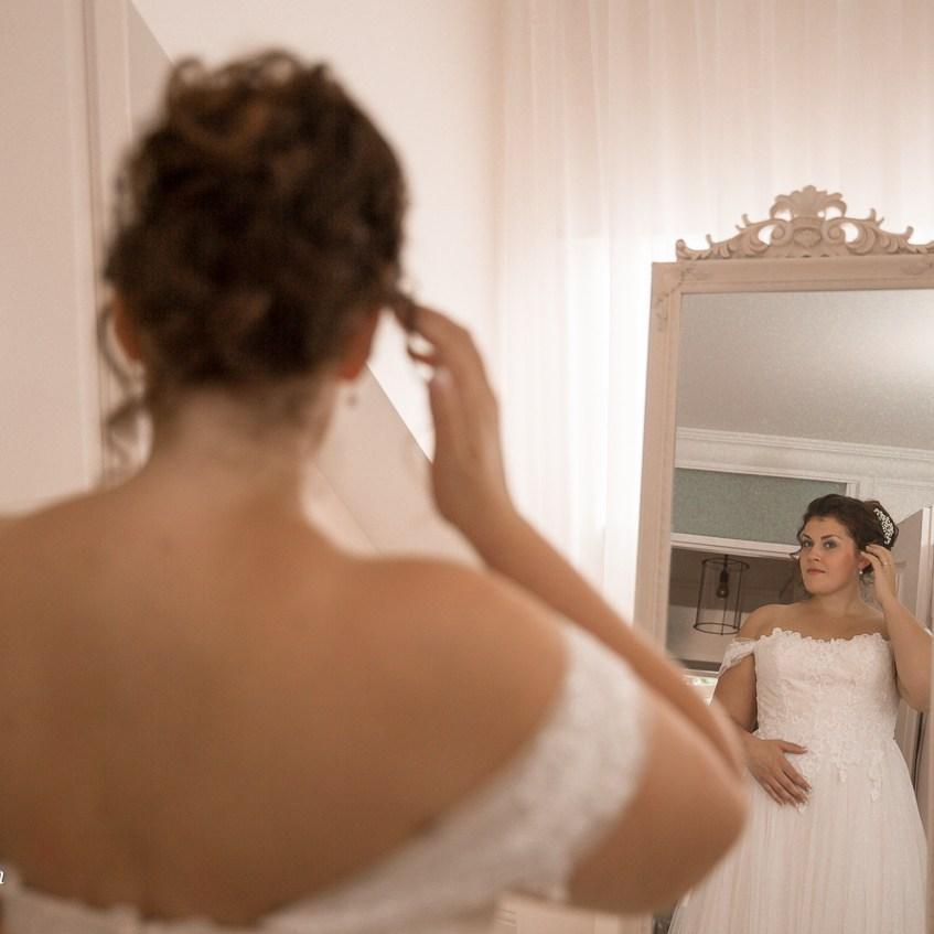 fotografie portretfotografie vervallen locaties bijzondere laten maken trouwfoto's Oosterhout Breda Tilburg Ruwmantisch bruiloft industrieel.jpg