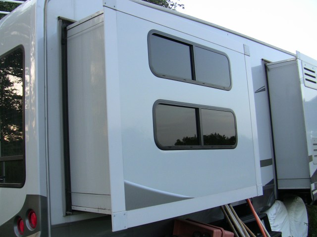 rv slide out in extended position