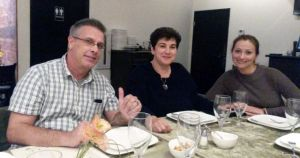 Shane Ivie (L) with two of the Russian remote viewing students, Galina and Olga, at dinner