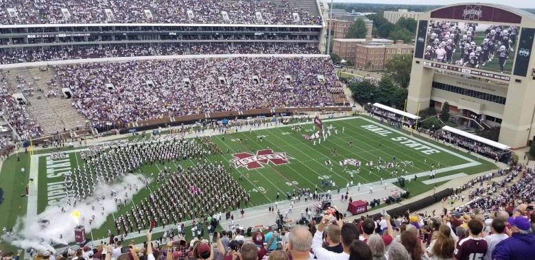 Mississippi State Bulldogs taking the field to face the future National Champion Louisiana State University Tigers.