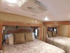 Keystone Everest 345S bedroom