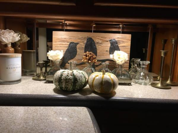 Simple Thanksgiving RV Decorating by Kim Lozano