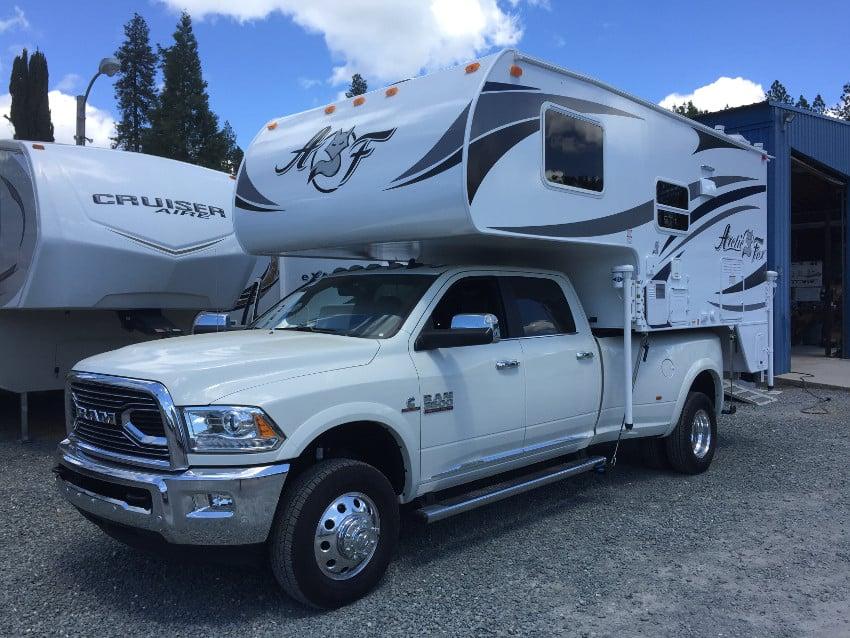 truck camper versus trailer