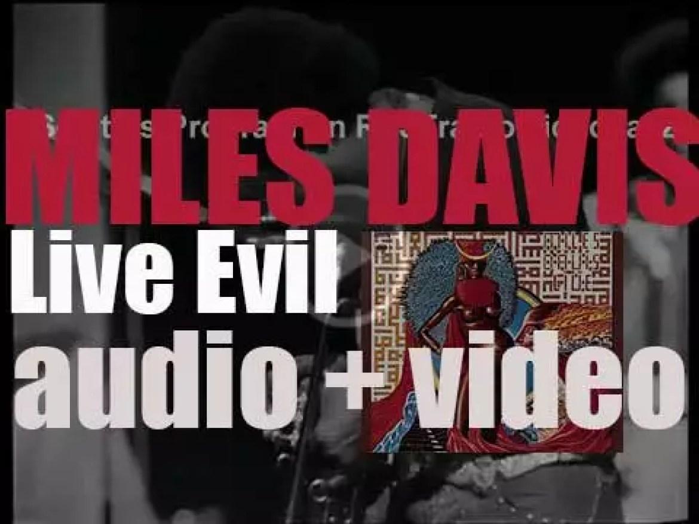 Columbia publish Miles Davis' album : 'Live-Evil' (1971)