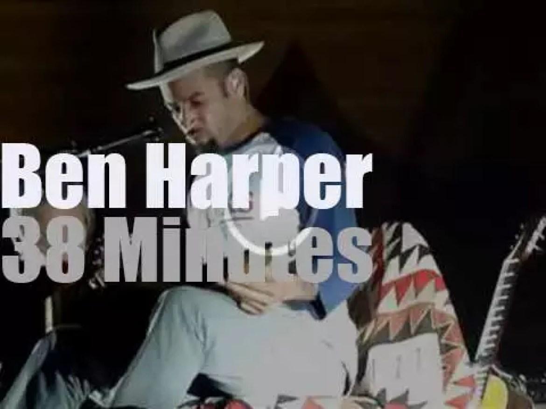 Ben Harper solo in Wellington, New Zealand (2012)