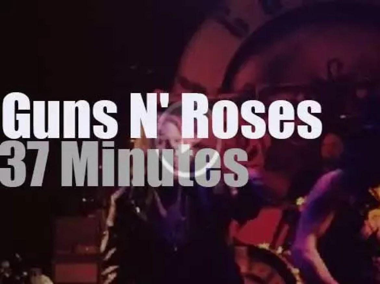 Guns N' Roses reunite at The Troubadour (2016)