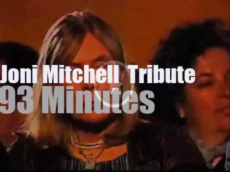 James Taylor, Elton John,  Diana Krall  et al pay tribute to Joni Mitchell (2000)