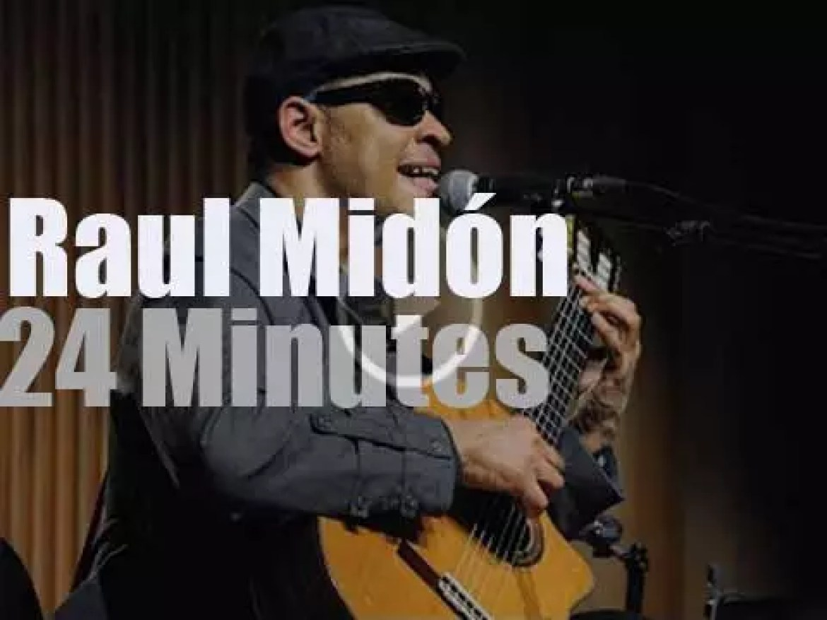 Raul Midon performs in Italy (2014)