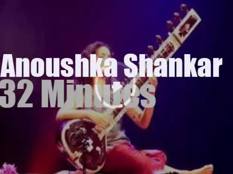 "Anoushka Shankar is ""sous les pommiers"" (2014)"