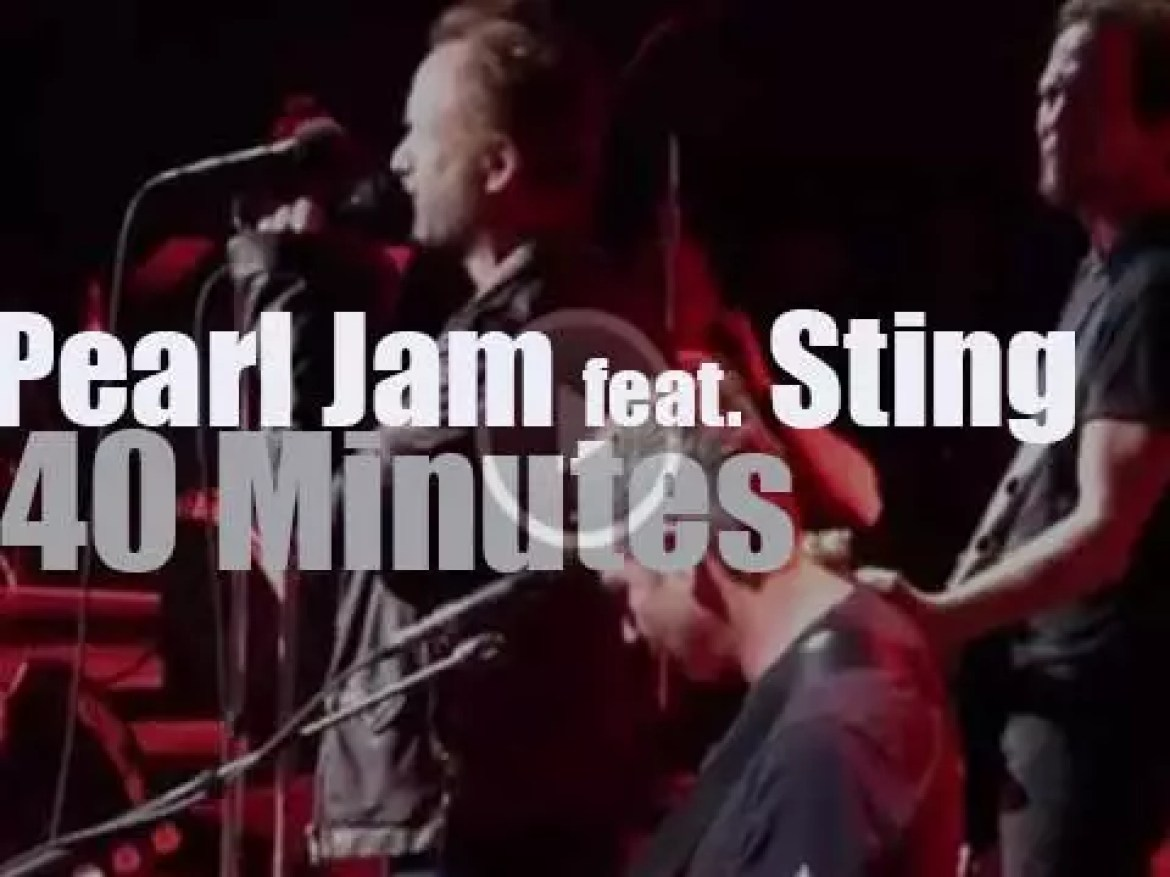 Pearl Jam covers The Police, then Sting drops by (2016)