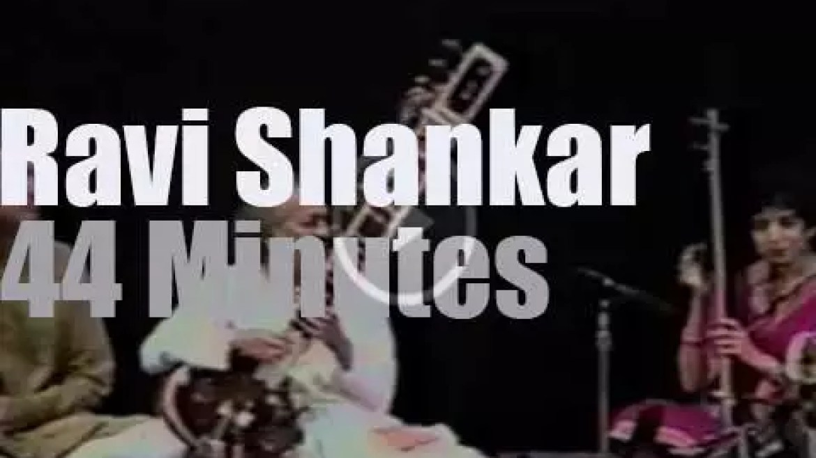 Ravi Shankar is live at the Carnegie Hall (1993)