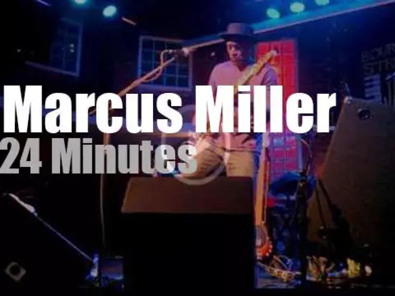 Marcus Miller slaps in  Sao Paulo (2014)