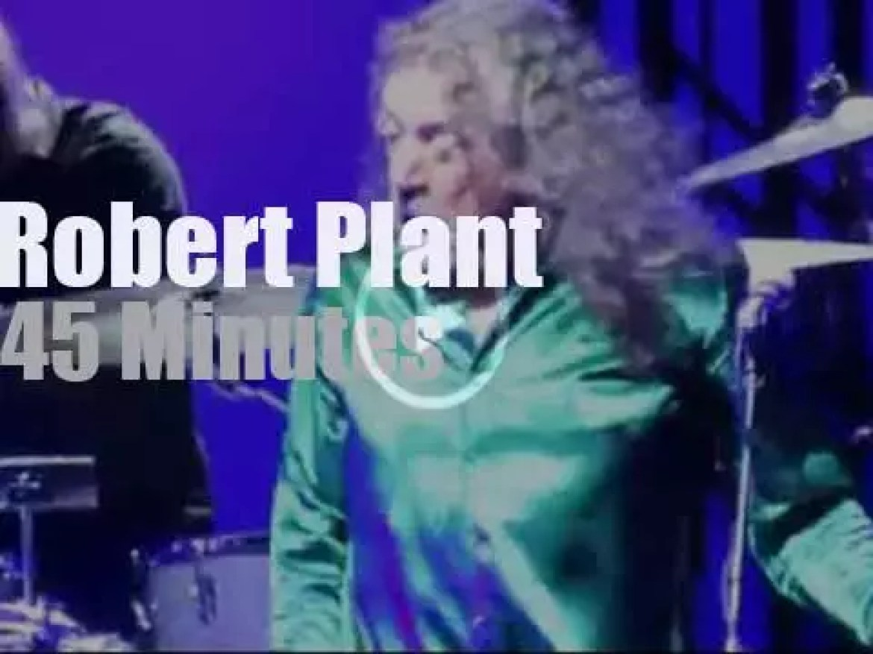 Robert Plant sings in LA (2015)