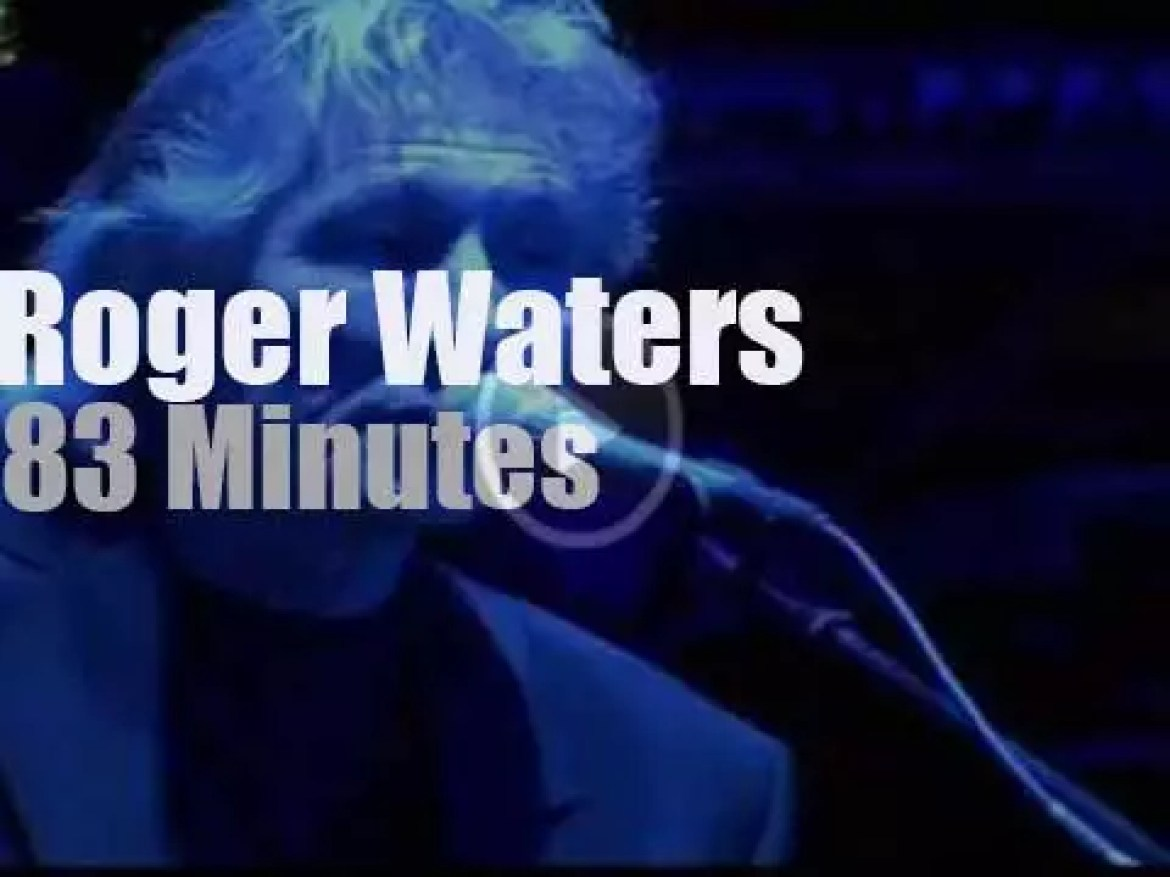 Roger Waters closes the night in Lisbon (2006)