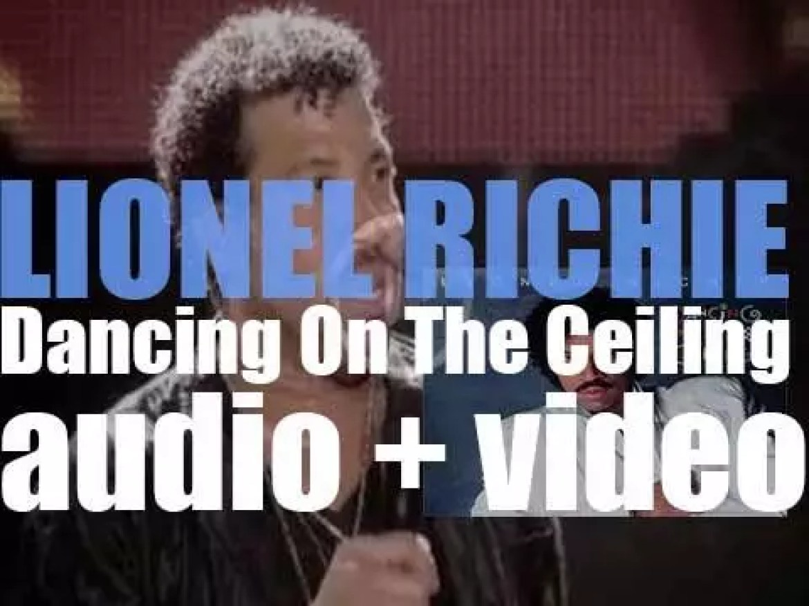 Lionel Richie releases his third solo album : 'Dancing on the Ceiling' featuring 'Say You, Say Me' (1986)