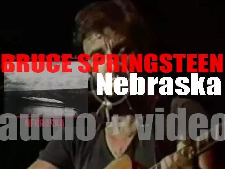 Columbia publish Bruce Springsteen's  sixth and solo album : 'Nebraska' (1982)