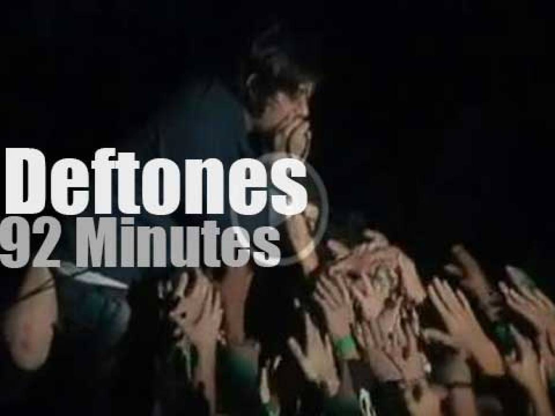 Deftones rock Wembley (2003)