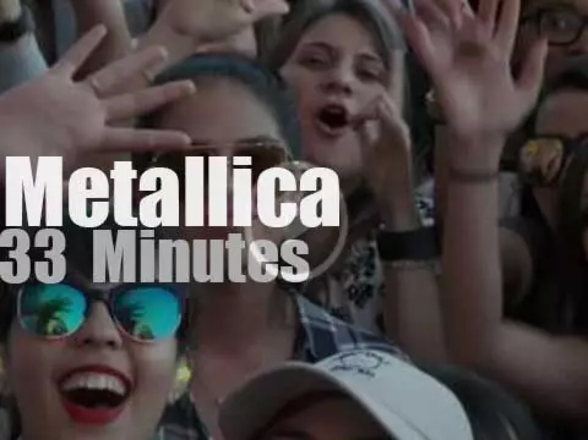 Metallica plays against poverty (2016)
