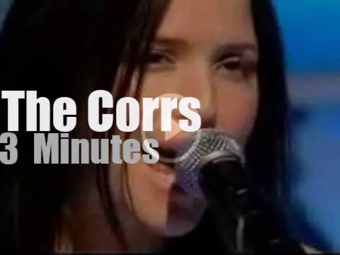 On Dutch TV today, The Corrs at 'Top Of The Pops' (2004)