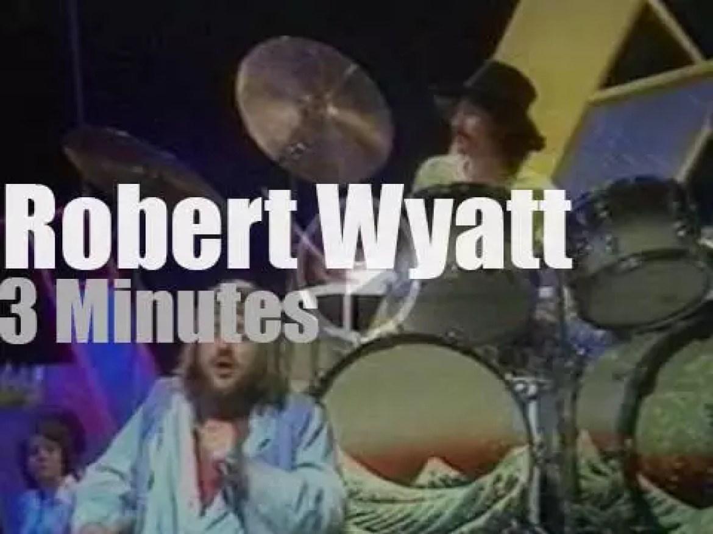 Robert Wyatt covers The Monkees (1974)