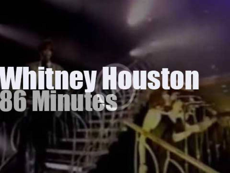Whitney Houston sings in Spain (1991)
