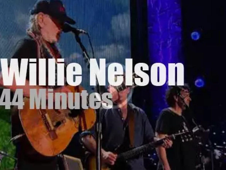 Willie Nelson takes his family to Farm Aid (2014)