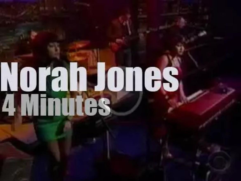 On TV today, Norah Jones with David Letterman (2009)