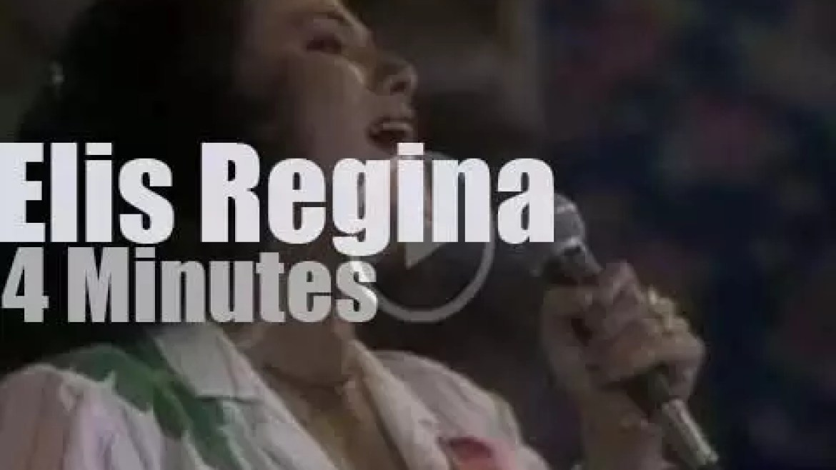 On TV today, Elis Regina at 'O Fantastico' (1980)