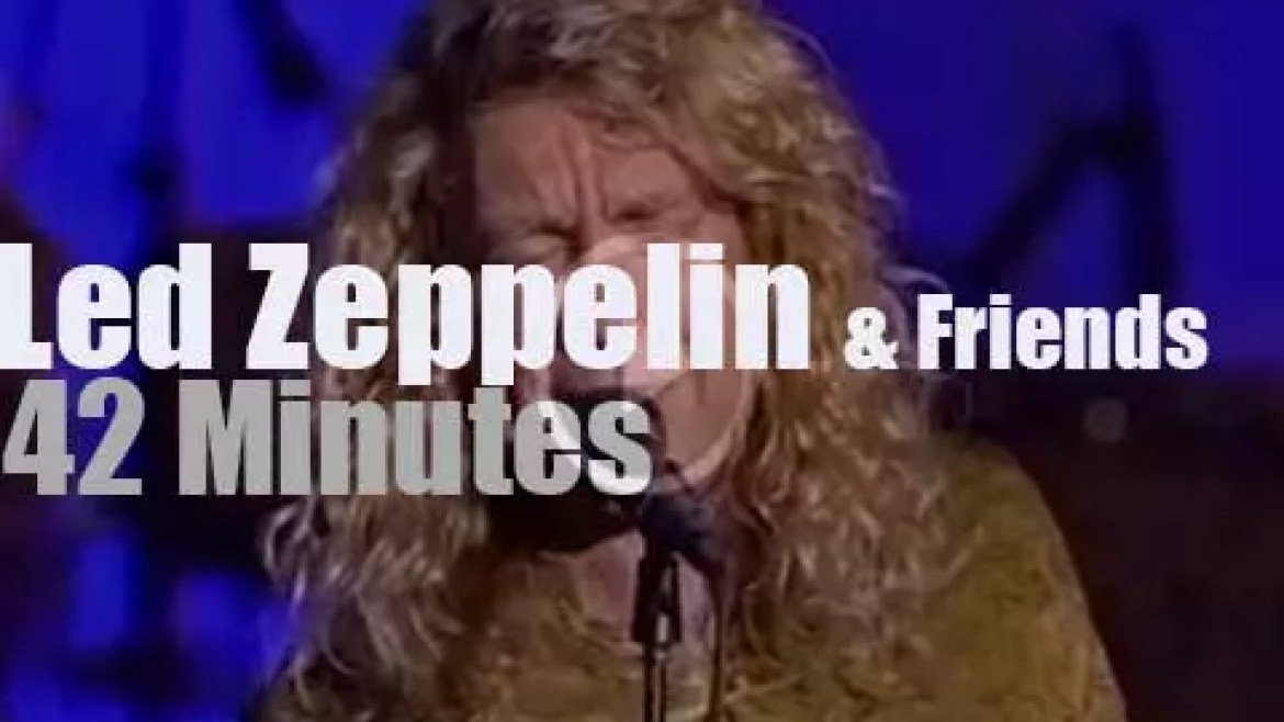 Led Zeppelin are inducted  (1995)