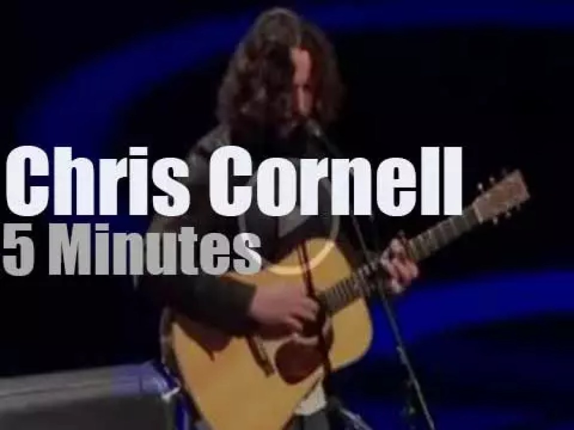 Chris Cornell pays tribute to Whitney (2012)