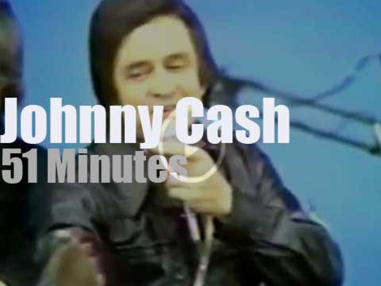 Johnny Cash travels to Australia (1973)