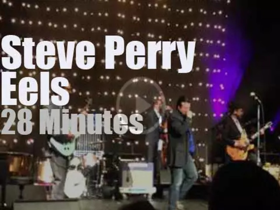 Steve Perry sits in with Eels in Washington (2014)