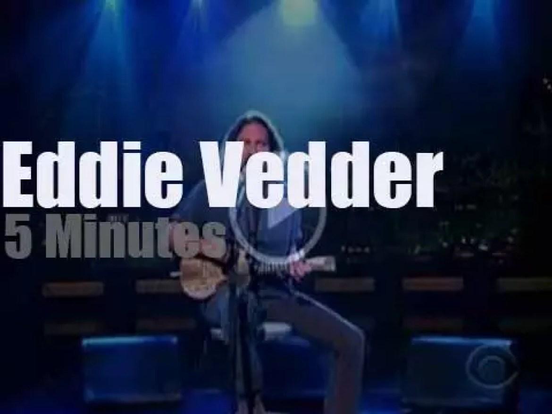 On TV today, Eddie Vedder's ukulele with David Letterman (2011)