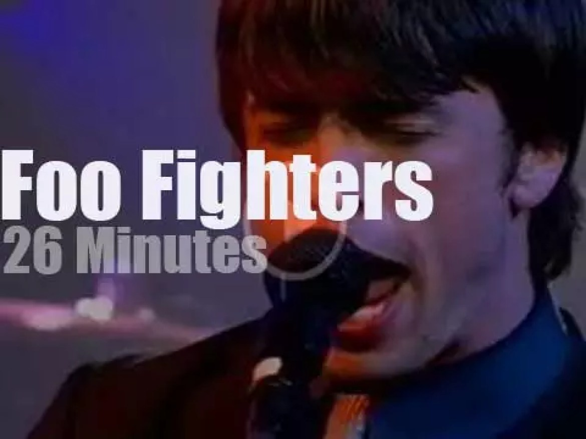 Foo Fighters go to church (2000)