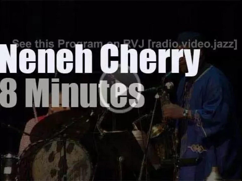 Neneh Cherry jazzifies in Paris (2010)