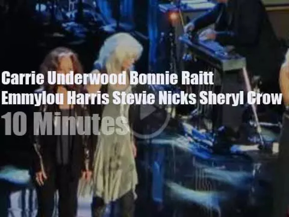 Carrie, Bonnie and Emmylou pay tribute to Linda Ronstadt (2014)