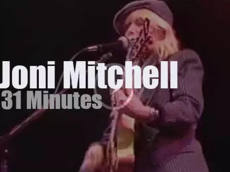 Joni Mitchell sings in London (1983)