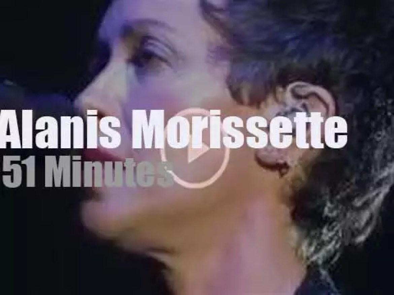 Alanis Morissette sings and rocks in London (2018)