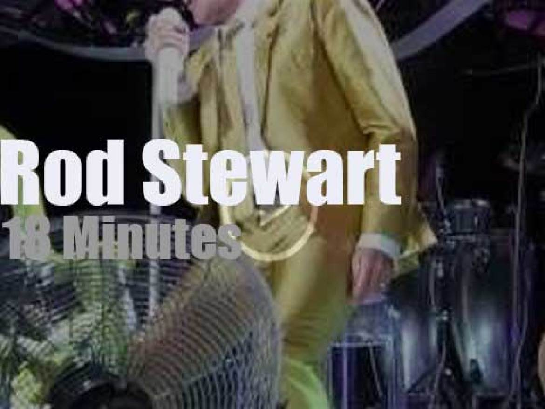 Rod Stewart (and kids) rock Glasgow (2013)