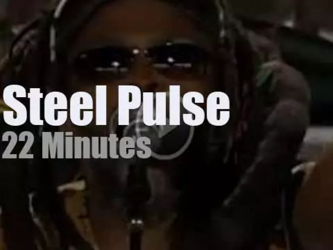 Steel Pulse support the farmers (2006)