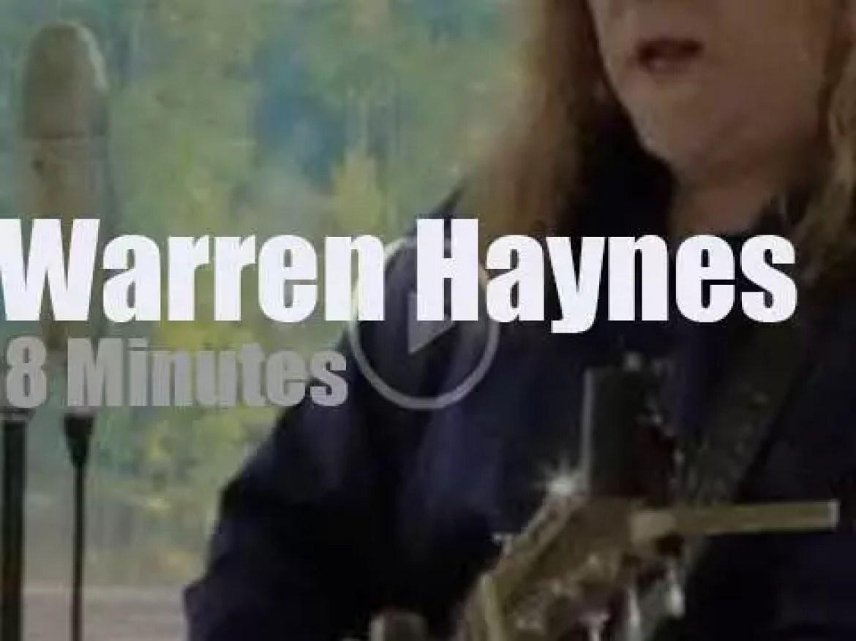 Warren Haynes perform an acoustic set (2012)
