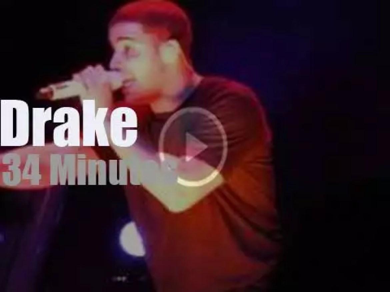 Drake raps in Chicago (2010)