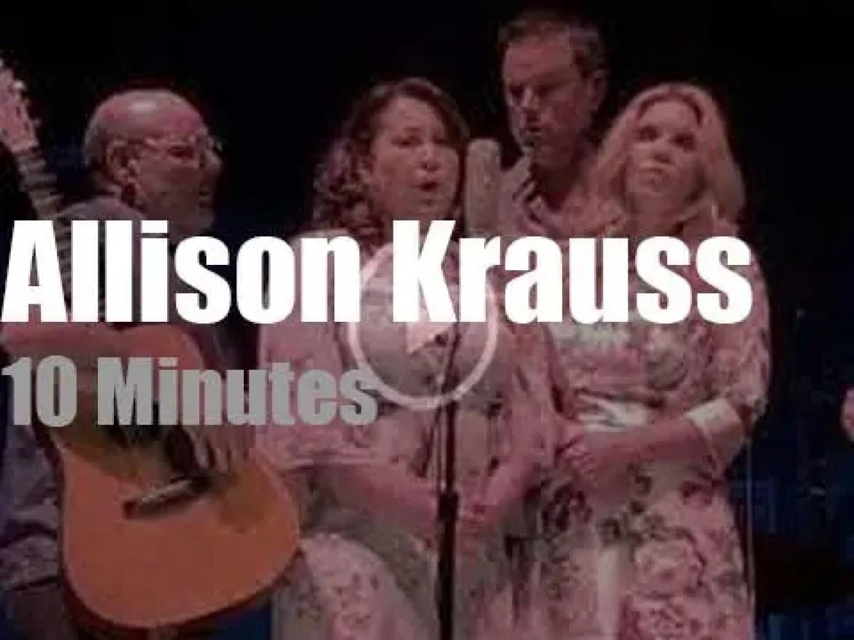 Allison Krauss et al sing in Pennsylvania (2018)
