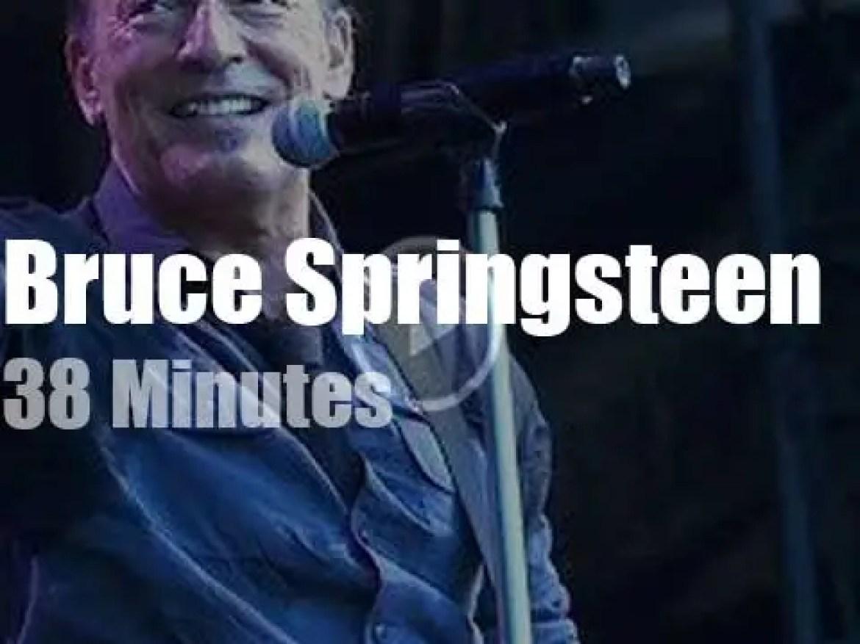 Bruce Springsteen 'Wrecks a Ball' in Leipzig (2013)