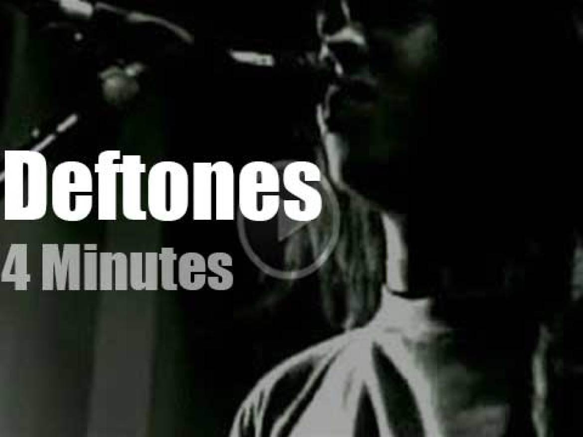 On French TV today, Deftones at 'Nulle Part Ailleurs' (1997)